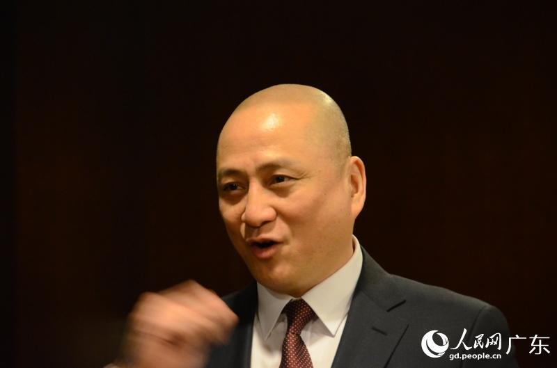 【高清组图】明星委员汤镇业参加广东政协大会