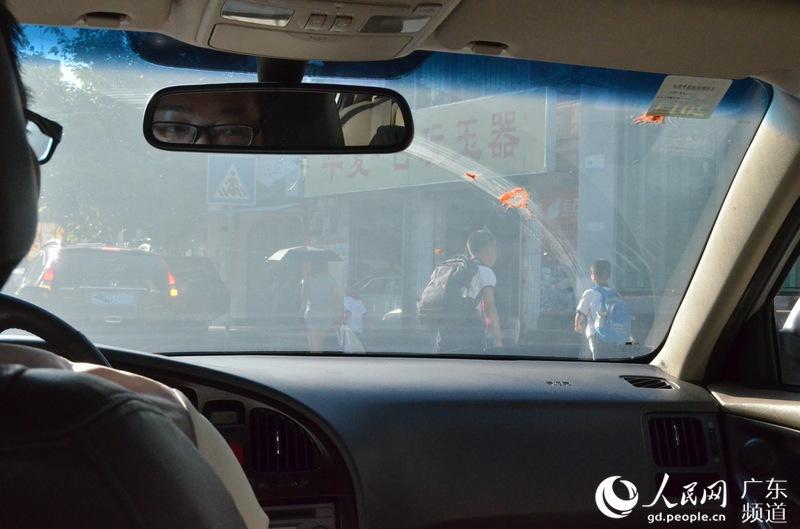 【人民情趣】极致专注的频道--广东匠人--故事365图片v人民图片
