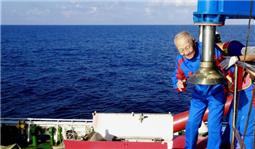 82岁汪品先院士在南海下潜获重要发现