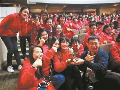 广东实验中学合唱团第10届世界合唱比赛勇夺3冠