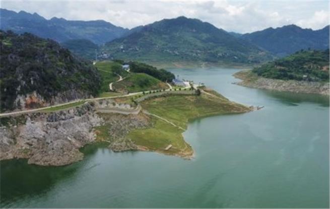 航拍:万峰林景区一景