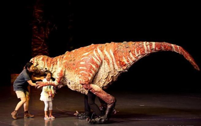 科普互动儿童剧《恐龙动物园》上演