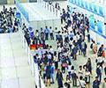 高校毕业生秋季双选会        10月15日,2018年第22届全国高校毕业生秋季双选会在深圳会展中心举行,现场人头涌动。