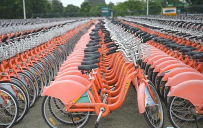 震撼航拍!2万辆公共自行车停在广州大学城