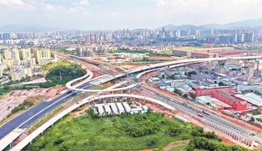"深圳(chou)�⒁���建�O(she)""四�M八�v""高速公路��W"